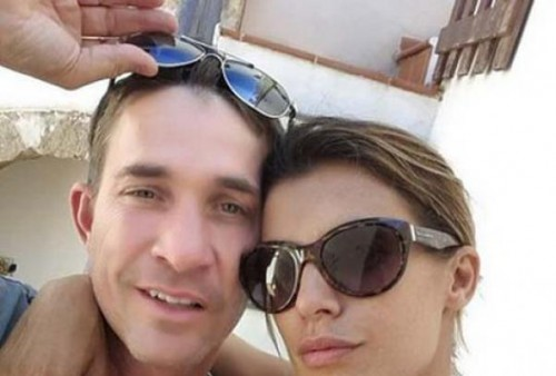 "Elisabetta Canalis e Brian in bici, selfie ""day after"" degli sposi"