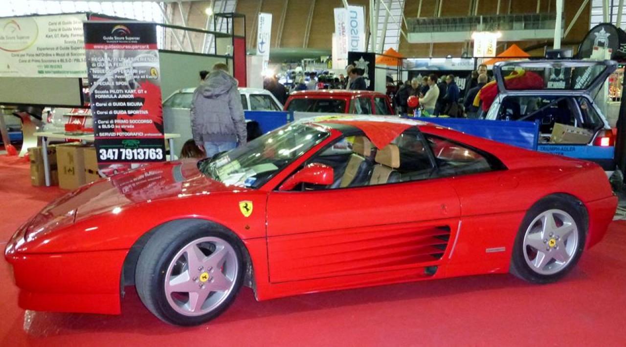 Matrimonio In Ferrari : Guida sicura supercar per matrimonio italiano